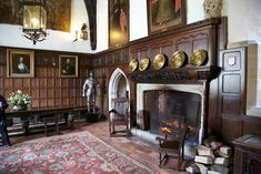 ightham mote house | Just one of the splendid rooms at Ightham Mote. Note the doorway to ...