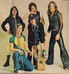 AC/DC, T.N.T. album, 1975