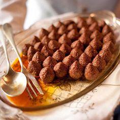 Kibbeh Lebanese Cuisine, Lebanese Recipes, Turkish Recipes, Syrian Recipes, Arabic Recipes, Shawarma, Lebanon Food, Arabian Food, Eastern Cuisine
