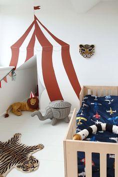17X TE GEK MOOIE BABYKAMERS VOOR JONGENS Black Friday Shopping, Kids Bedroom, Baby Kids, Toddler Bed, Nursery, Living Room, Cool Stuff, Studio, Wallpaper