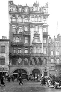 Warszawa - dom nr. 19 przy Krakowskim Przedmieściu (1937 r.).