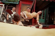 Amazing Color Photographs of New York City's Street Scenes in the 1960s-70s