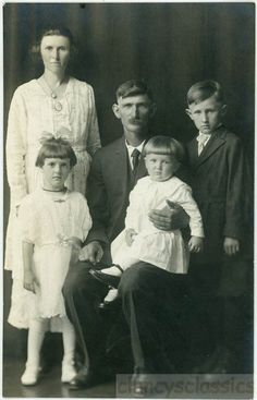 vintage photo 1916 Ma Pa and Children Formal American Country Family Portrait RPPC 10 A Vintage Family Photos, Vintage Pictures, Vintage Images, Back Photos, Old Photos, Antique Photos, Vintage Photographs, We Are Family, Family Pics