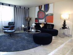 Elegante salón de diseño #minimalista. Moderno en tonos blanco negro. Combinación de sencillez y #elegancia. Suelo de mármol.  Chalet en Urbanizacion en Venta en Golf, Rozas de Madrid, Las, Madrid