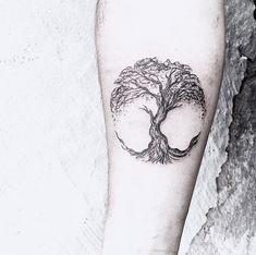 Caitlin-Thomas-Tattoo-Klonblog2