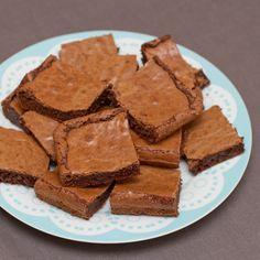 Brownies - kjempeenkle, lagast med mørk sjokolade #6ingredients #sjokolade #chocolate #cake #kake