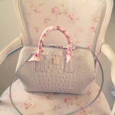 Outlet Designer Handbags Furla Bag Ray Ban Sungl Outlets