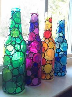 Diy Crafts - Four stained bubbly glass bottles (painted) Wine Bottle Art, Glass Bottle Crafts, Diy Bottle, Painted Glass Bottles, Bottles And Jars, Glass Jars, Painted Jars, Decorated Bottles, Beer Bottles