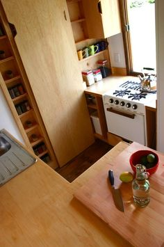 Kitchen in Tall Man's Tiny House  http://universaldesignproducts.com/article/simplify_your_life/tall_mans_tiny_house