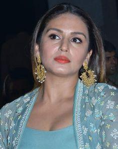 Mrf msf is Deepika Padukone Hot, Sonam Kapoor, Beautiful Legs, Gorgeous Women, Huma Qureshi Hot, Muslim Fashion, Women's Fashion, Aishwarya Rai Cannes, Bollywood Actress Hot Photos