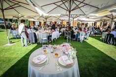 dalla scelta della Location perfetta.. allestimento del giardino e tutti i dettagli EmozionarSì! #weddinginpink #segnaposto #matrimonio #location