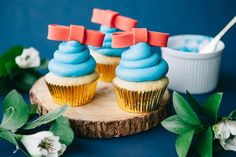 Celebrate the magic of Snow White's fairy tale with this cupcake idea that's as sweet as the princess herself.