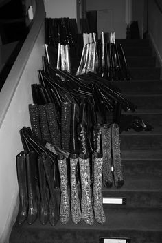hedi slimane, staircase rows of boots Hedi Slimane, Rouge Paris, Aesthetic Women, Black And White Aesthetic, French Fashion Designers, Saint Laurent Paris, Shoe Art, Glam Rock, Ysl