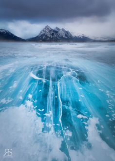 18 Stunning Photographs of Frozen Lakes, Rivers & Oceans