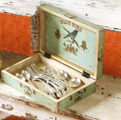 Blue Bird Cigar Box