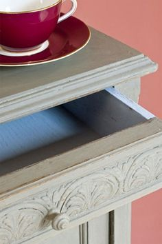 Annie Sloan Chalk Paint French Linen   Royal Design Studio
