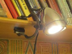 Diy back to school : DIY Bicycle headlight shelf lamp Shelf Lamp, Desk Lamp, Bicycle Lights, Bicycle Art, Lampe Steampunk, Dorm Room Crafts, Recycled Bike Parts, Bike Craft, Crea Design
