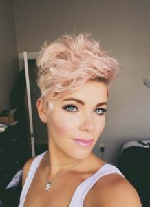 rose blonde pixie with messy waves