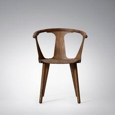 Danmarks førende designbutik. Køb &Tradition - In between stol hos designdelicatessen.dk. Hurtig levering. Vi gør det nemt og sikkert at handle på nettet.