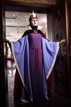 Evil Queen- Snow White  Cosplay by Chapayka