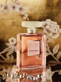 Chanel Coco Mademoiselle, are in the right place about daisy perfume Here we offer you the most beautiful pictures about the perfume man you are looking for. When you examine the Chanel Coco Made Perfume Chanel, Perfume 212, Perfume Scents, Best Perfume, Perfume Bottles, Chanel Chanel, Chanel Bags, Chanel Handbags, Perfume Collection