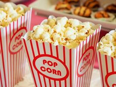 Eat Popcorn and Lose Weight. Does popcorn have carbohydrates? Is popcorn low in carbohydrates? Is popcorn vegan? 10 Film, Family Movie Night, Family Movies, Teen Movies, Disney Movies, Movies To Watch, Good Movies, Amazing Movies, Pop Corn