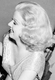 Jean Harlow on the set of her last film Saratoga (1937)