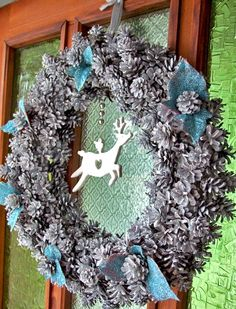 christmas door wreaths Christmas Door Wreaths, Christmas Time, Wonderful Time, Interior Styling, Decoupage, Diy Decoration, Wreath Ideas, Holiday Ideas, Crafts