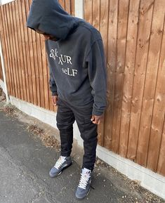 Trippie Redd, Bohemian Style Men, Black Men Street Fashion, Streetwear Fashion, Streetwear Men, Jordan Outfits, Stylish Mens Outfits, Dior, Winter Fashion Outfits