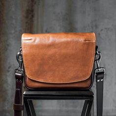 e391a6360ea0 RAVEN LEATHER SHOULDER BAG (brown) - WOTANCRAFT