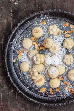 BEST Butter cookies ever! Bite-size, melt-in-your-mouth butter cookies that are just the right amount of sweet. These Egyptian cookies called Ghoryeba take very little work and only 3 ingredient! Egyptian Food, Egyptian Recipes, Finger Desserts, Cookie Recipes, Dessert Recipes, Butter Cookies Recipe, Unique Desserts, Western Food, Mediterranean Dishes