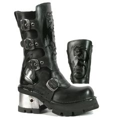 Finally bought them!! The all black version of these New Rock boots are amazing. If only I had a spare £170!  I assume in a 41. M.362-C1 Black New Rock Boots with Patent Dragon & Flame Detail