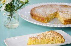 Eis um dos bolos mais fáceis e deliciosos de sempre! Confecionado com os ingredientes base da nossa doçaria conventual, uma excelente s...