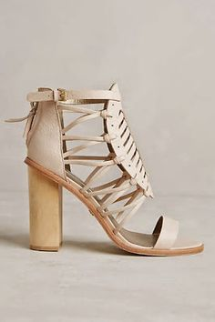 Cynthia vincent sandals > leather heels Love these block-heeled ankle strap beauties! Crazy Shoes, Me Too Shoes, Shoe Boots, Shoes Sandals, Mode Shoes, Fashion Shoes, High Heels, Footwear, Leather Heels