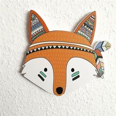 That's good, the designers compete inventiveness to offer us warm accessories to perfection. Wooden Wall Decor, Wood Wall, Creative Kids, Creative Crafts, Creative Decor, Adult Crafts, Kids Crafts, Hardwood Furniture, How To Make Diy