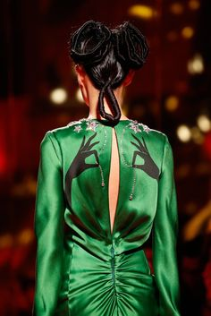 See detail photos for Schiaparelli Spring 2015 Couture collection.