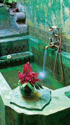 Moroccan Luxury Bathroom- More - Decoration Organization Moroccan Bathroom, Moroccan Decor, Moroccan Style, Moroccan Lanterns, Moroccan Interiors, Beautiful Homes, Beautiful Places, Tadelakt, Aesthetic Rooms