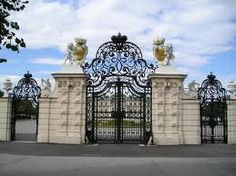 gate_of_belvedere_palace_vienna_