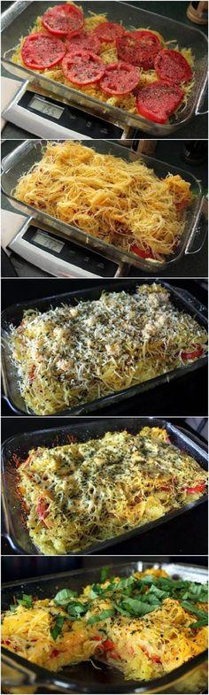 Tomato Basil Spaghetti Squash Bake Recipe : super healthy AND delicious! Tomato Basil Spaghetti Squash Bake Recipe : super healthy AND delicious! Veggie Dishes, Pasta Dishes, Vegetable Recipes, Vegetable Pasta, Dinner Dishes, Dinner Menu, Baked Spaghetti Squash, Baked Squash, Creamy Spaghetti