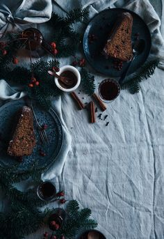 Call me cupcake: Gingerbread bundt cake with lingonberries