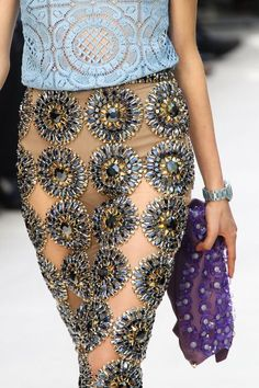 very chic, love the sequenced patterns both on the blouse and skirt