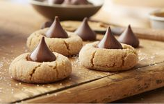 Try this Gluten-Free Peanut Butter Blossoms recipe, made with HERSHEY& products. Enjoyable baking recipes from HERSHEY& Kitchens. Cookies Sans Gluten, Gluten Free Christmas Cookies, Dessert Sans Gluten, Gluten Free Sweets, Gluten Free Baking, Gluten Free Recipes, Gluten Free Peanut Butter Cookies, Reese's Recipes, Recipies