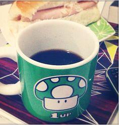 Segundo Géssica Gineli, dona dessa caneca, o café fica até mais gostoso dentro dela! Que tal conhecer mais?