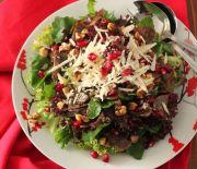 Mushroom, walnut and pomegranate salad Salad Recipes, Diet Recipes, Cooking Recipes, Healthy Recipes, Recipies, Salad Bar, Soup And Salad, Savoury Dishes, Greek Recipes