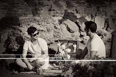 Alvaro y Arturo de merienda en su playa de Roche