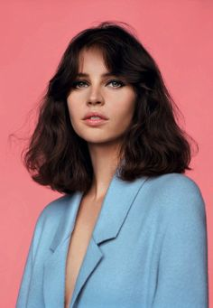 "alasdair-mclellan: "" Vogue UK February 2014 ""Meet Miss Jones"" Model/Star: Felicity Jones Stylist: Francesca Burns "" Hair Inspo, Hair Inspiration, Character Inspiration, Story Inspiration, Pretty Face, Pretty People, Hair Goals, Makeup Looks, Short Hair Styles"
