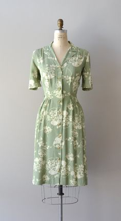vintage 1940s dress | Island Fronds dress, this would look great with some brown oxfords or flats