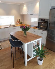 Consider Installing Kitchen Islands To Go With Your Unique Kitchen Design – Home Dcorz Ikea Kitchen, Kitchen Furniture, Kitchen Interior, Kitchen Decor, Kitchen Island, Kitchen Ideas, Modern Grey Kitchen, Grey Kitchen Designs, Küchen Design
