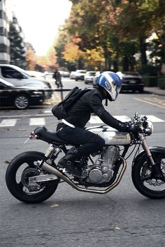 cafe racer, love the short seat and open look!