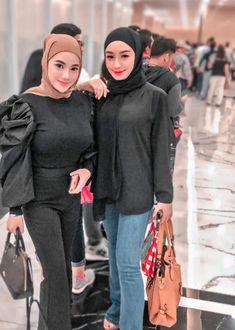 Hijab Fashionista, Girl Hijab, Blonde Beauty, Girls, Cha Cha, Toddler Girls, Daughters, Maids